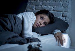 دلیل بی خوابی شبانه و روش های درمان آن