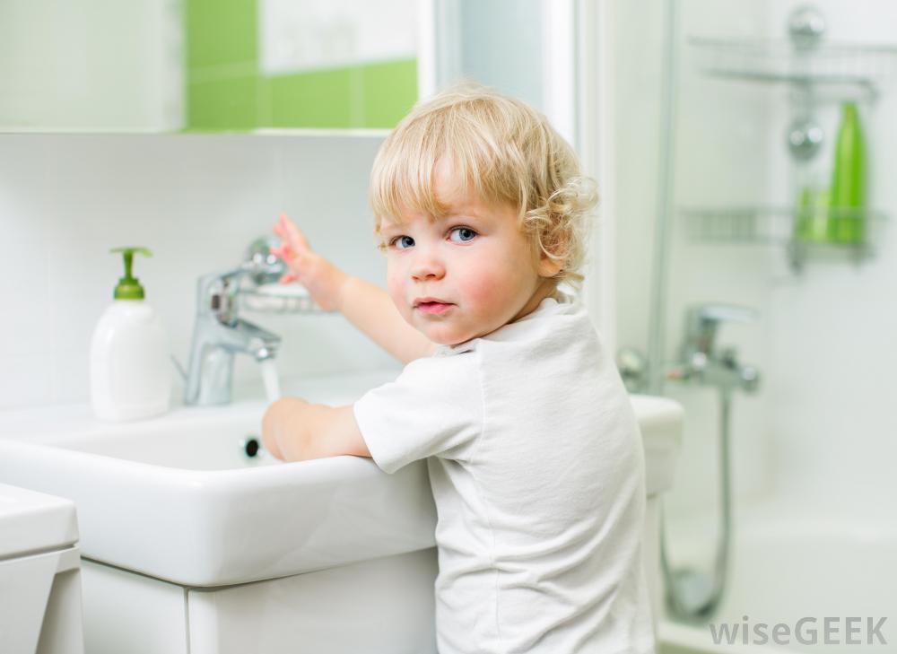 چگونه کودکی مرتب و تمیز بار بیاوریم