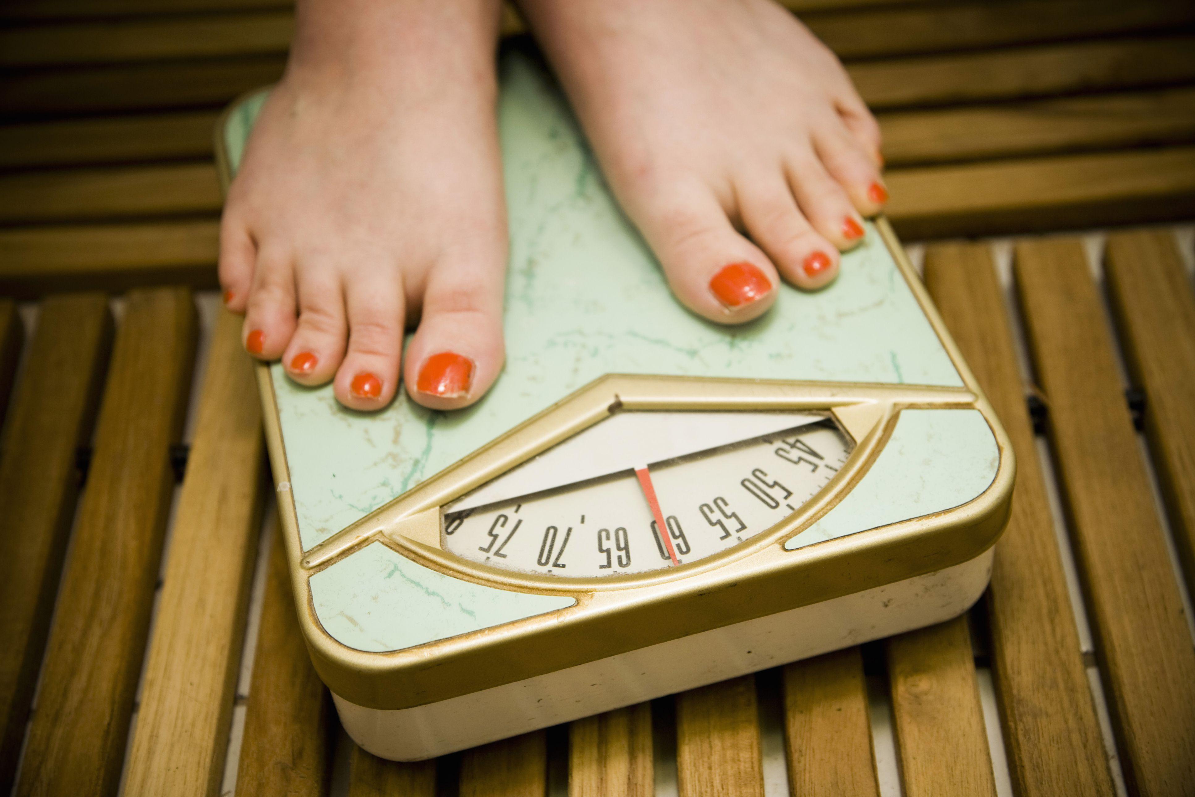 چگونه حرکات ورزشی را برای کاهش وزن صحیح انجام دهیم؟