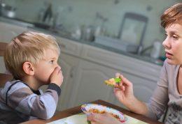 درمان بد غذایی کودکان در چند مرحله