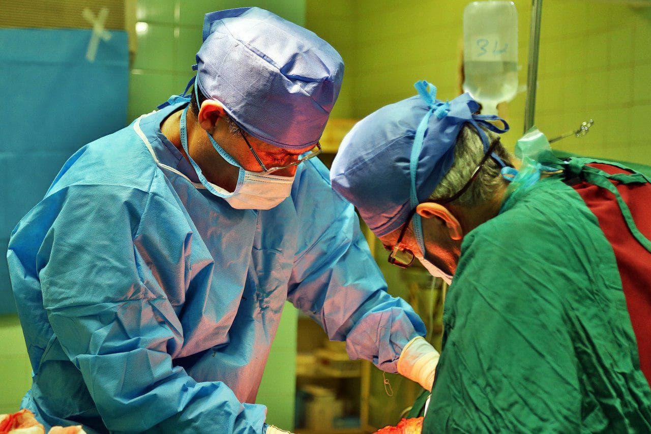 فیلم واقعی جراحی زیبایی بینی توسط دکتر مهرداد مقیمی