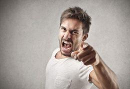 افراد عصبانی و خشمگین به چه بیماری هایی دچار می شوند؟