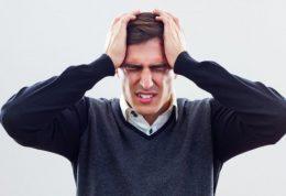 علائمی که خبر از خطرناک بودن سردرد می دهند