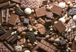بانوان چرا در دوران قاعدگی به شکلات اعتیاد پیدا می کنند؟