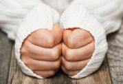 لرزش دست در جوانی: نحوه ی تشخیص و علل ابتلا