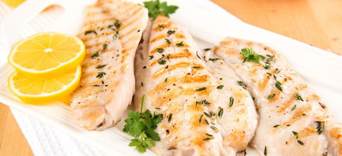 ماهی تیلاپیا چیست؟ + بررسی فواید و خطرات مصرف آن