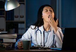 عوارض خطرناک کار در شیفت شب برای زنان