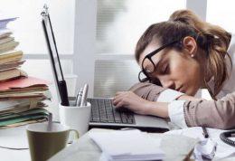 علل خستگی و بیخوابی و نحوه مبارزه با آنها