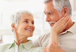 چگونه با تغییرات دوران میانسالی و پیری کنار بیاییم؟