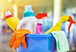 استفاده نادرست از شوینده ها موجب مسمومیت می شود