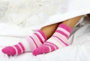 در رختخواب جوراب بپوشید!