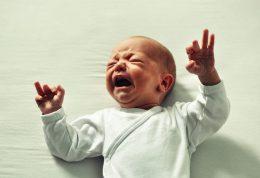 پیشگیری و درمان کم آبی در نوزادان