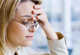 بررسی انواع سردرد ها و روش هایی برای تسکین آن