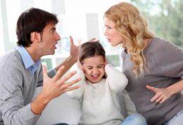 تاثیرات منفی دعوای والدین روی فرزندان