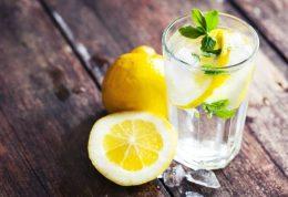 7 راه که بدن شما از آب و لیمو فایده می برد