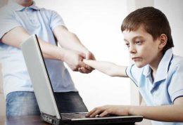 چگونه بازی های کامپیوتری کودکان را کنترل کنیم؟