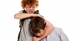 بیش فعالی در کودکان چیست و چه علائمی دارد؟