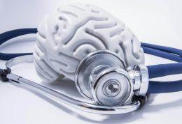 چگونه با فردی که مبتلا به آلزایمر است رفتار کنیم؟