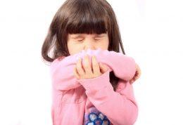 فواید سرفه کردن در آرنج