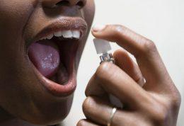 بررسی دلایل ایجاد بوی بد دهان