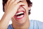 7 دلیل علمی که چرا باید بیشتر بخندیم