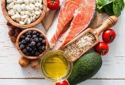 چاقی شکم را با مواد غذایی بدون کالری کاهش دهید