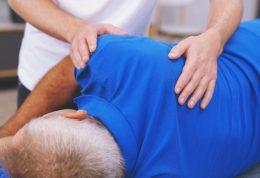 کیفوز یا پشت گرد یا کایفوزیس چیست؟+ 5 درمان طبیعی آن