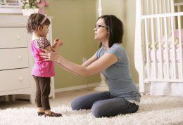 تربیت کودک و راه حل مشکلات رفتاری در کودکان نوپا
