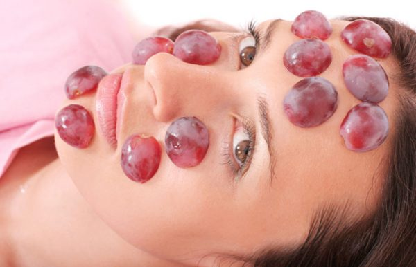 ماسک انگور؛ فواید انگور برای پوست، مو و سلامتی