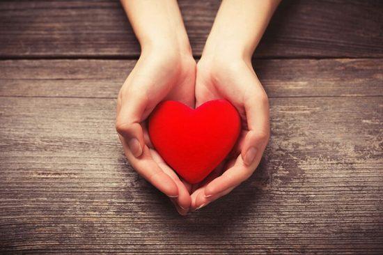heart min e1545804860757 - گیاه دارواش (Mistletoe)؛ 6 فایده شگفت انگیز گیاه دارواش