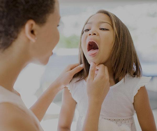عفونت گلو و دهان؛ درمان خانگی عفونت گلو و دهان
