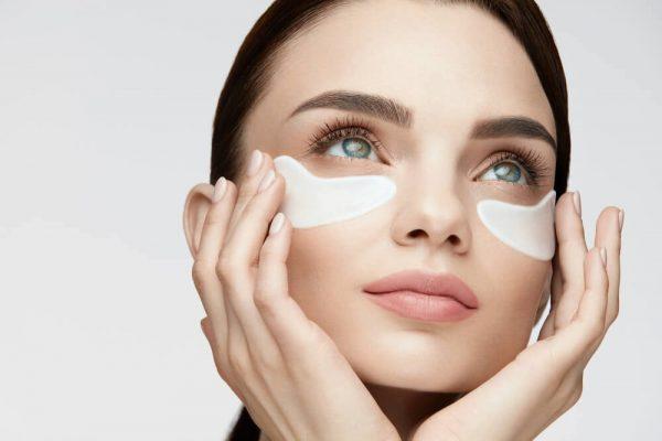 7 راه برای مراقبت از پوست اطراف چشم