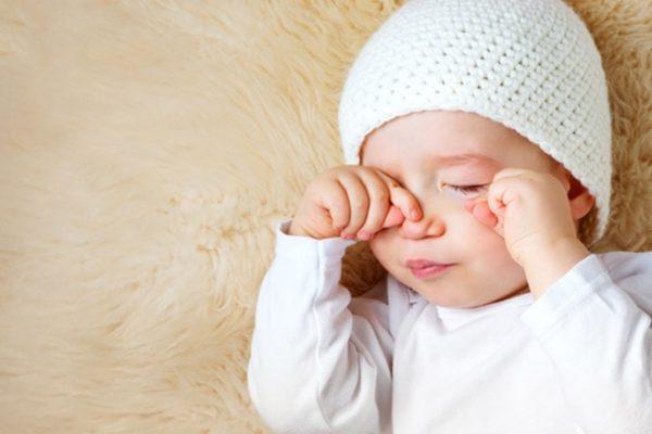 قرمزی چشم در کودکان