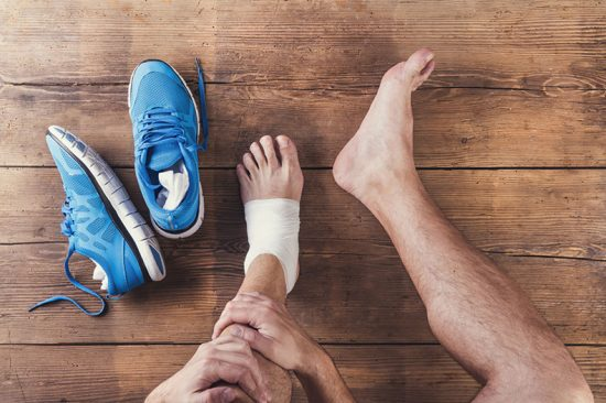 رگ به رگ شدن مچ پا؛ علل، علائم، درمان و پیشگیری