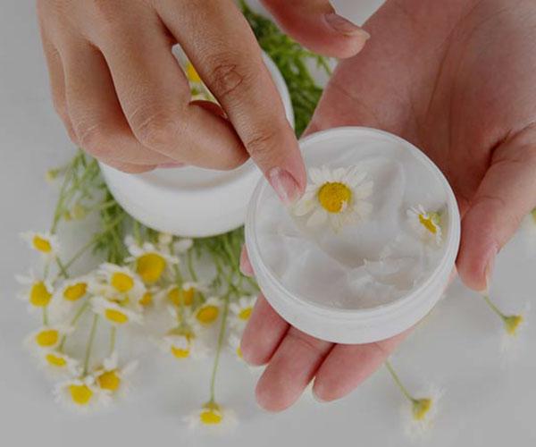 10 مرطوب کننده طبیعی برای پوست خشک صورت و بدن