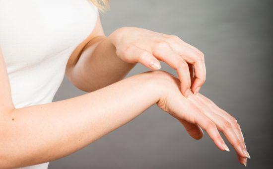 بیماری گال چیست؟ علائم، تشخیص و درمان
