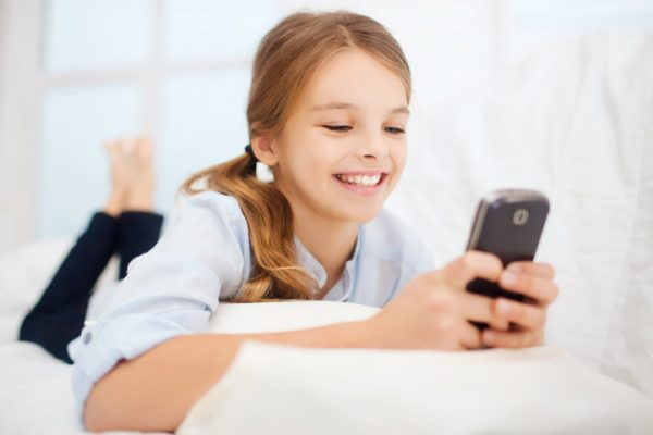 اثرات جانبی تلفن همراه بر کودکان
