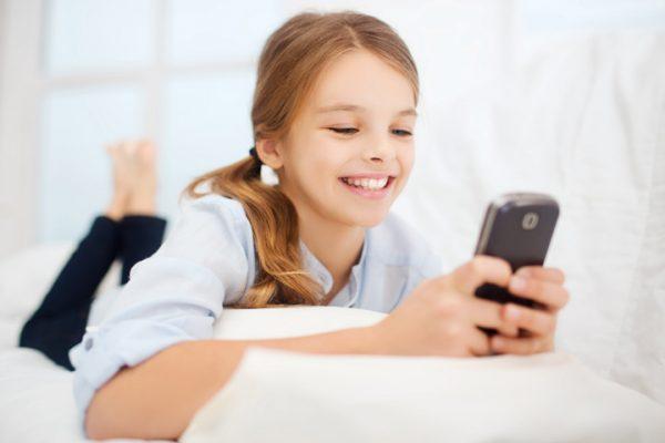 عوارض تلفن همراه بر کودکان و نوجوانان