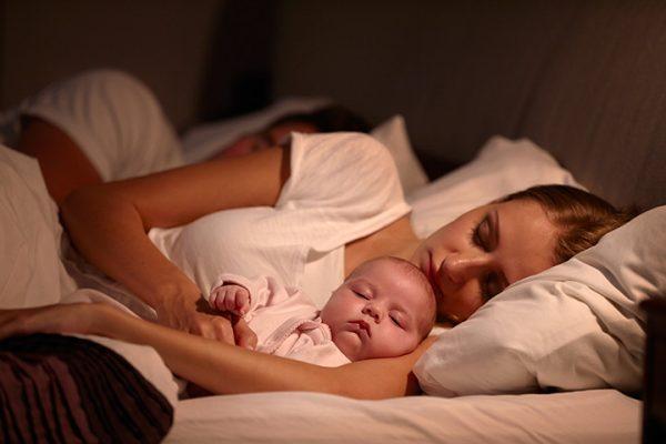 4 پوزیشن مناسب برای خوابیدن پس از زایمان سزارین