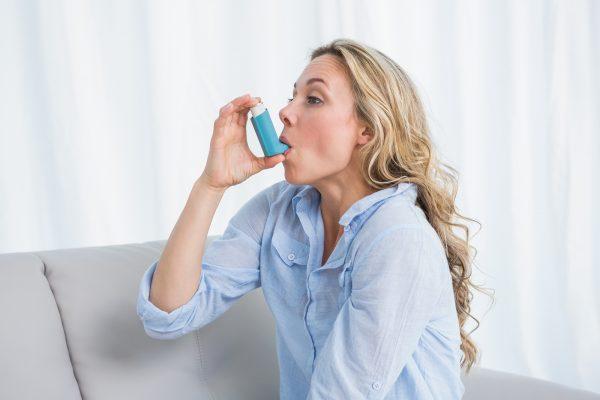 بیماری آسم؛ علائم، علل، عوامل خطر و درمان بیماری آسم