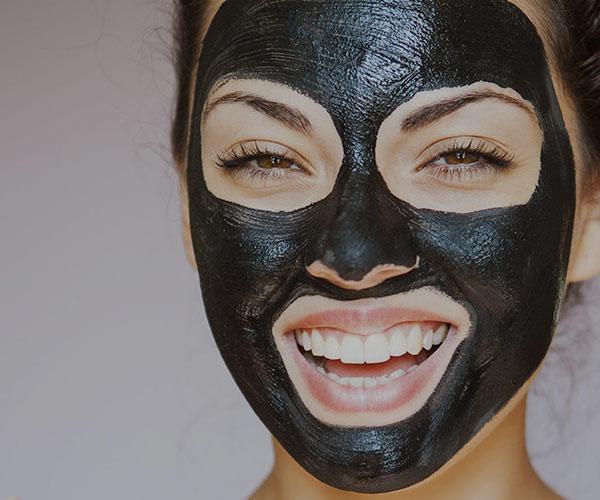 فواید ماسک لایه بردار زغال برای پوست های خشک، چرب و آکنه دار