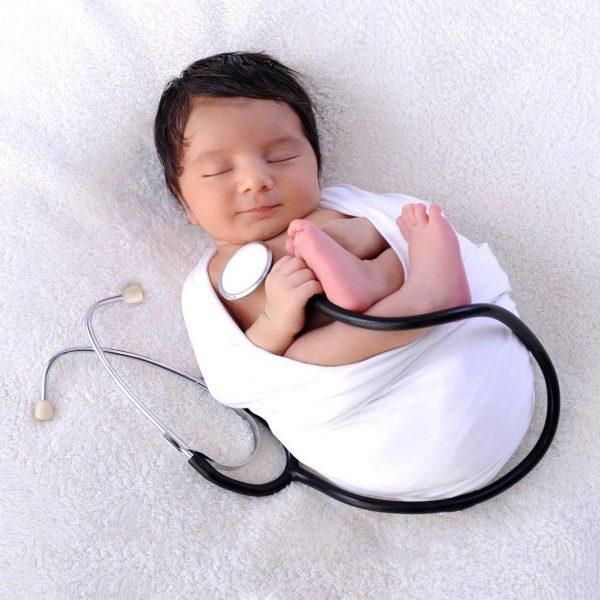 جعبه کمک های اولیه برای نوزاد