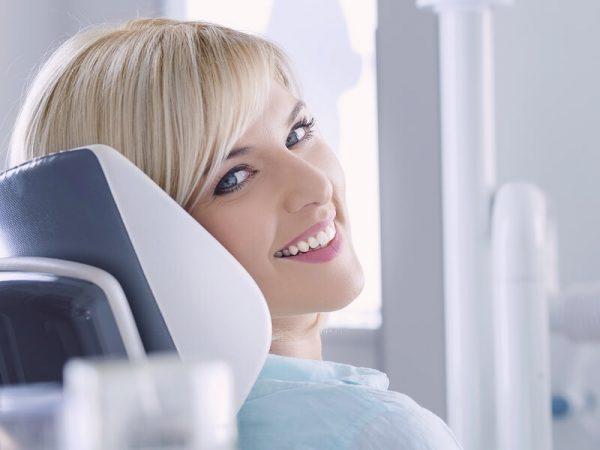 آیا هیدروژن پراکسید دندان ها را سفید می کند؟