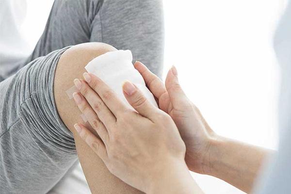 علائم بروز آرتریت در زانو