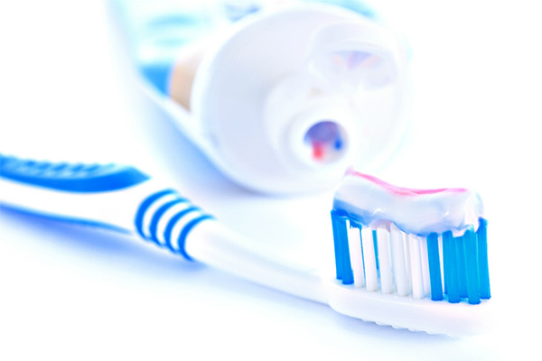 خمیر دندان حاوی فلوراید