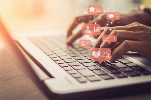 رسانه های اجتماعی -6