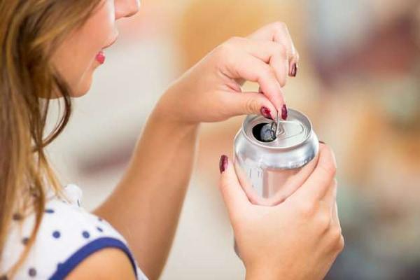 خطرات نوشیدنی انرژی زا در دوران بارداری و شیردهی