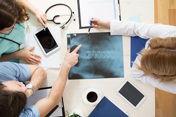 پوکی استخوان؛ انواع داروهای مؤثر برای درمان پوکی استخوان