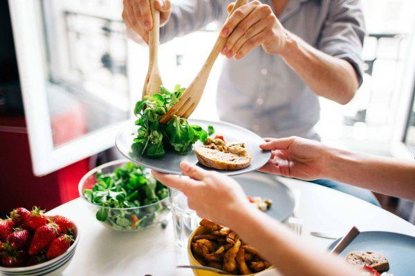 اثرات مصرف میان وعده بر سلامتی بدن