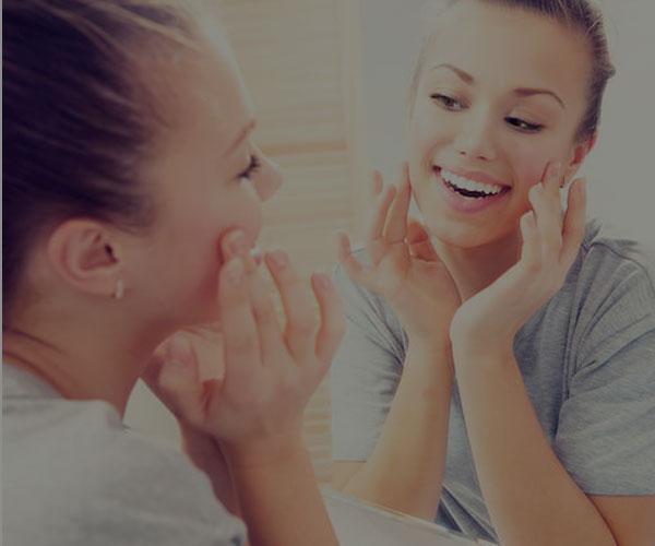 روش های پیشگیری و درمان جوش های سر سفید